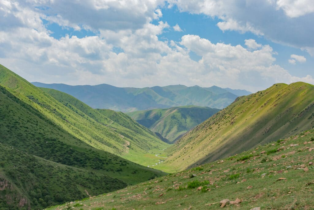Panoramic-view-of-the-valley-on-the-hike-to-Song-Kol-Kyrgyzstan