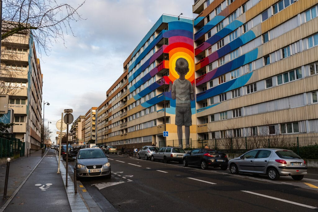 Street Art in Paris where the image is not composed using the Rule of Thirds