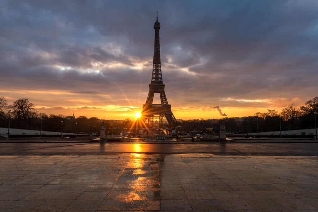 Watch the Sunrise over the Eiffel Tower at Trocadero